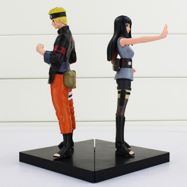 Naruto and Hinata Figure Back to back